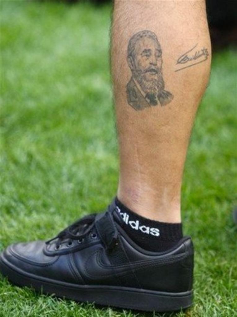 Be Cult - El tatuaje de Fidel en la pierna de Maradona